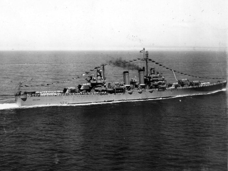 Argentine_cruiser_ARA_General_Belgrano_(C-4)_underway_in_the_1950s.jpg